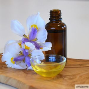 Face serums and massage oils